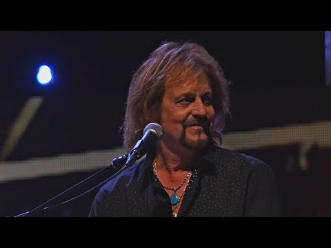Journey Lights Don't Stop Believin' on Rock & Roll Hall of Fame 2017