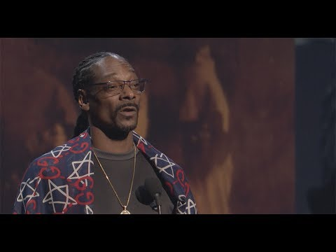Snoop Dogg Inducts Tupac Shakur into the Rock & Roll Hall of Fame - 2017
