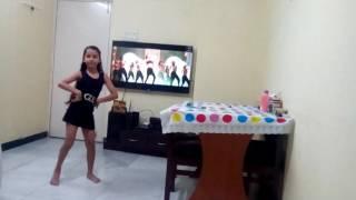 Riya dhanawat. Meri neend farar  Dance