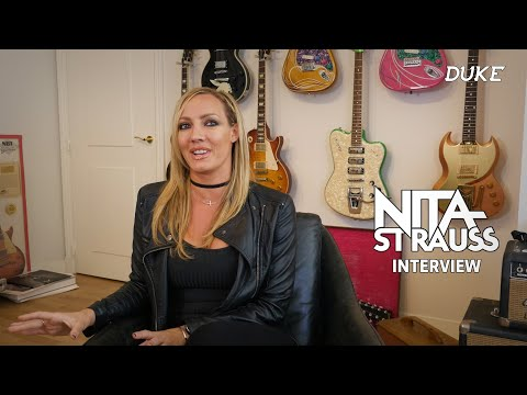Nita Strauss (Alice Cooper Band) - Interview - Paris 2019 - Duke TV [FR-DE-ES-IT-RU Subs]