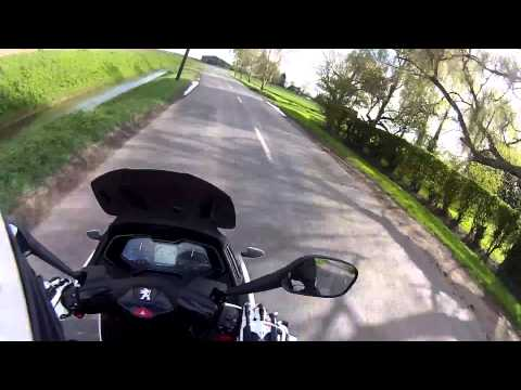2014 Peugeot Metropolis FULL review and onboard road test
