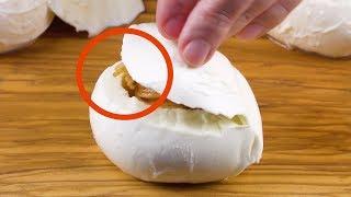Ты точно не угадаешь, что внутри этой сырной булочки. Очень оригинальный ужин!