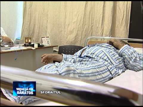 Articulații pe picioarele unui bărbat rănit