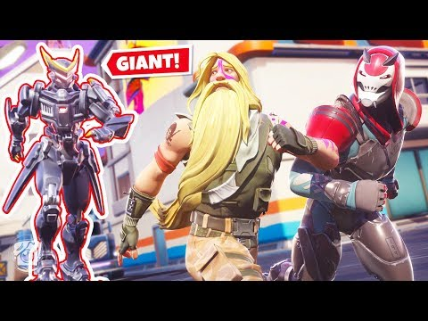 ESCAPE the GIANT ROBOT or DIE! (Fortnite Death Run)