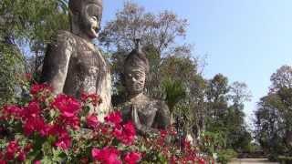 preview picture of video 'Wat Khaek (Sala Kaeo Ku) in Nong Khai'