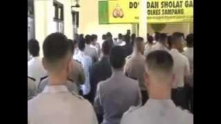 preview picture of video 'POLRES SAMPANG POLDA JATIM DOA BERSAMA DAN SOLAT GAIB UNTUK KORBAN SUKHOI SUPERJET 100.mp4'