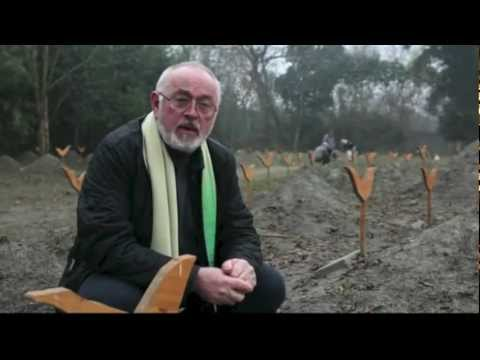 Peter Egan at Animals Asia's<br>Sanctuary in Chengdu