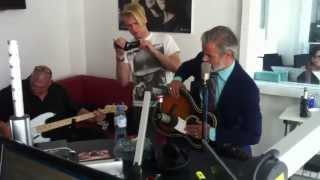 "Triggerfinger ""I Follow Rivers""   Live Bei STAR FM"
