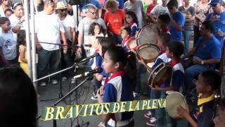 preview picture of video 'Plenazo Callejero Canovanas 2011 (Bravitos de la Plena)'
