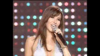 Nancy Ajram - El Donia Helwa (Live performace) نانسي عجرم - الدنيا حلوة - dooclip.me