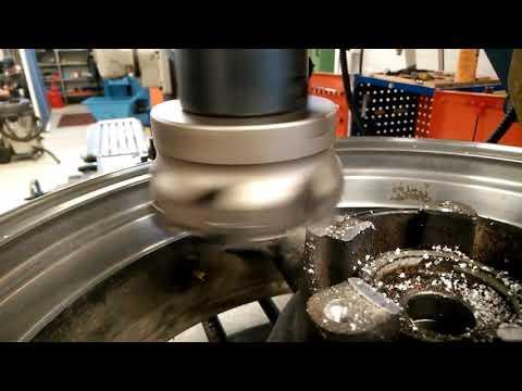 Machining Kawasaki rear rim to fit for Yamaha Fzr 600