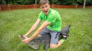 WRESTLING THE POND MONSTER!! - Video Youtube