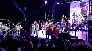 Earth Wind and Fire - Can't Hide Love (live)