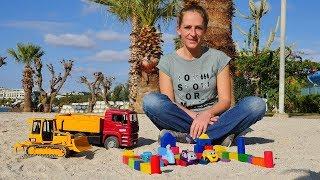Tolle Spielzeugautos - Wir spielen im Sand - Spielzeugvideo für Kinder