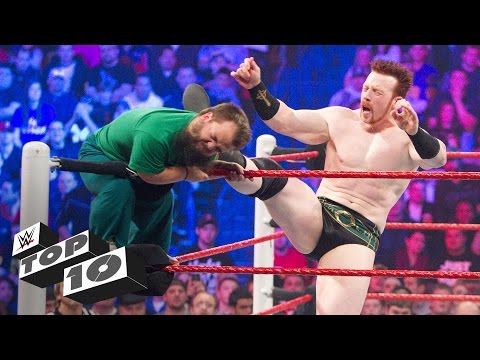 Brutal Royal Rumble Match eliminations: WWE Top 10 (видео)