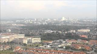 preview picture of video 'Aerial view of Kuching City before landing.'