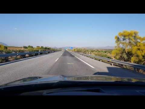 Der Aufwand des Benzins des Personenkraftwagens bildet