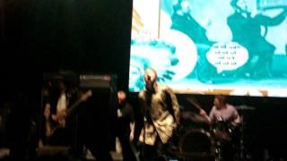 Beady Eye - Wigwam - Liam con la bandera de Argentina - Personal Fest 2011