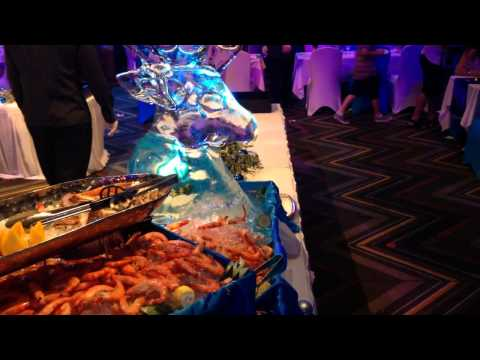 BUFFET ETIQUETTE - How to Deal with Queues for the Expensive Food at a Buffett