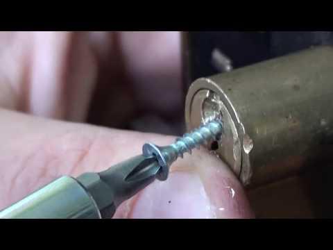 Как вытащить сломаный ключ из замка. Открыть замок Часть вторая