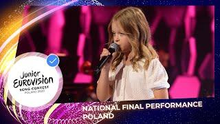 Kadr z teledysku I'll Be Standing tekst piosenki Alicja Tracz