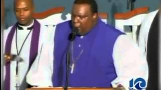 PREACHER DIES IN PULPIT AFTER GIVING SERMON