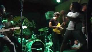 Flora Yield - Porcelain (Live at Hard Rock Cafe SJ)