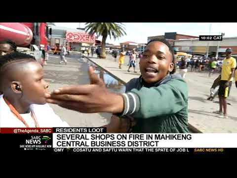 This South African news reporter deserves a pulitzer!