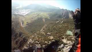 preview picture of video 'Parapent a La Figuerassa, Berga.wmv'