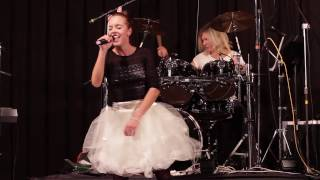 Video Pink Grrlz Live