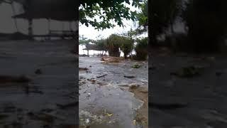 preview picture of video 'Ombak Pasang Pantai Rancabuaya Desa Purbayani Garut'