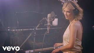 Delta Goodrem - Predictable (Acoustic)