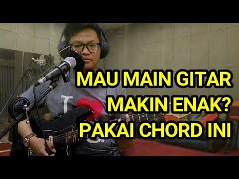 Bikin lagu makin enak dengan cara ini   tutorial chord  kunci  gitar open e