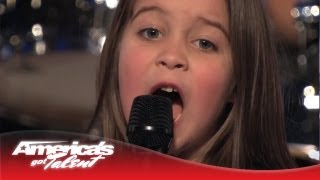 "6-Year-Old Aaralyn Screams Her Original Song, ""Zombie Skin"" - America"