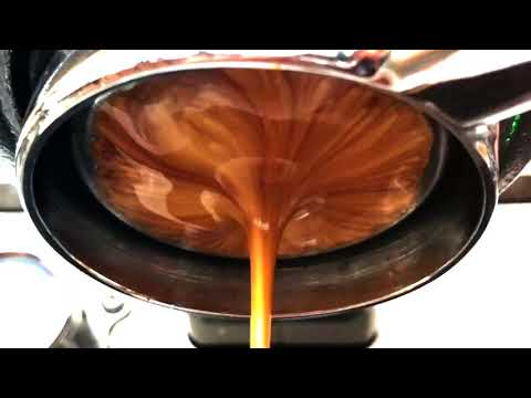 The perfect espresso extraction in slow motion