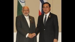 preview picture of video 'PM Modi meets Thailand PM Gen. Prayut Chan-o-cha at Nay Pyi Taw, Myanmar'