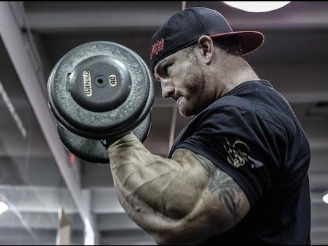 Comment correctement balancer les muscles du dos avec la barre