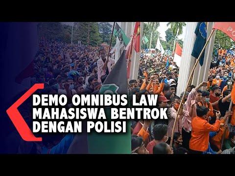 demo omnibus law mahasiswa bentrok dengan polisi