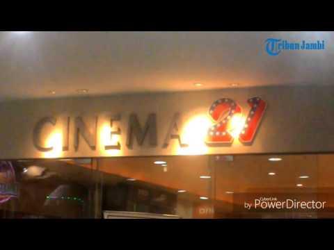 Cinema 21 diserbu pelajar  2 film ini masih jadi incaran