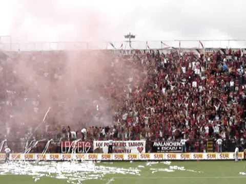 """""""La 12 alajuelense"""" Barra: La 12 • Club: Alajuelense"""