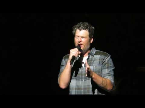 Blake Shelton - 'Coaching' the Audience