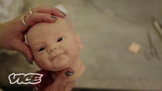 Reborn Babys: Warum Erwachsene mit Puppen spielen