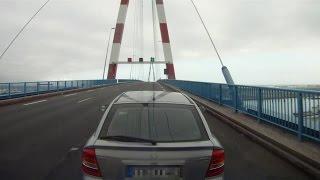 preview picture of video 'Saint-Nazaire-Brücke mit Wohnwagen'