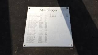 スイス発 メルリシャッヘンの芝生広場【スイス情報.com】