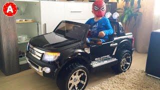 Surprise Jouet Voiture Ford Ranger pour Petit SpiderMan Adam