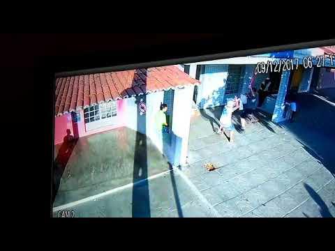 Homem reage a assalto com uma vassoura em Acari RN