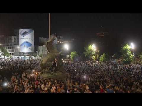 Σερβία: Διαηλώσεις κατά των νέων μέτων περιορισμού