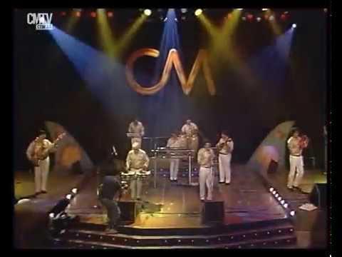 Los Wawanco video Se tamba, se tambalea - CM Vivo 1999