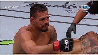 Rodillazo y nocaut: el impactante debut en UFC de un peleador brasileño