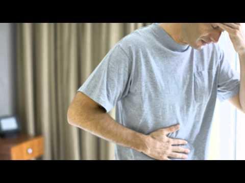 Los ejercicios para el adelgazamiento del vientre y los lados en las condiciones de casa sobre las e